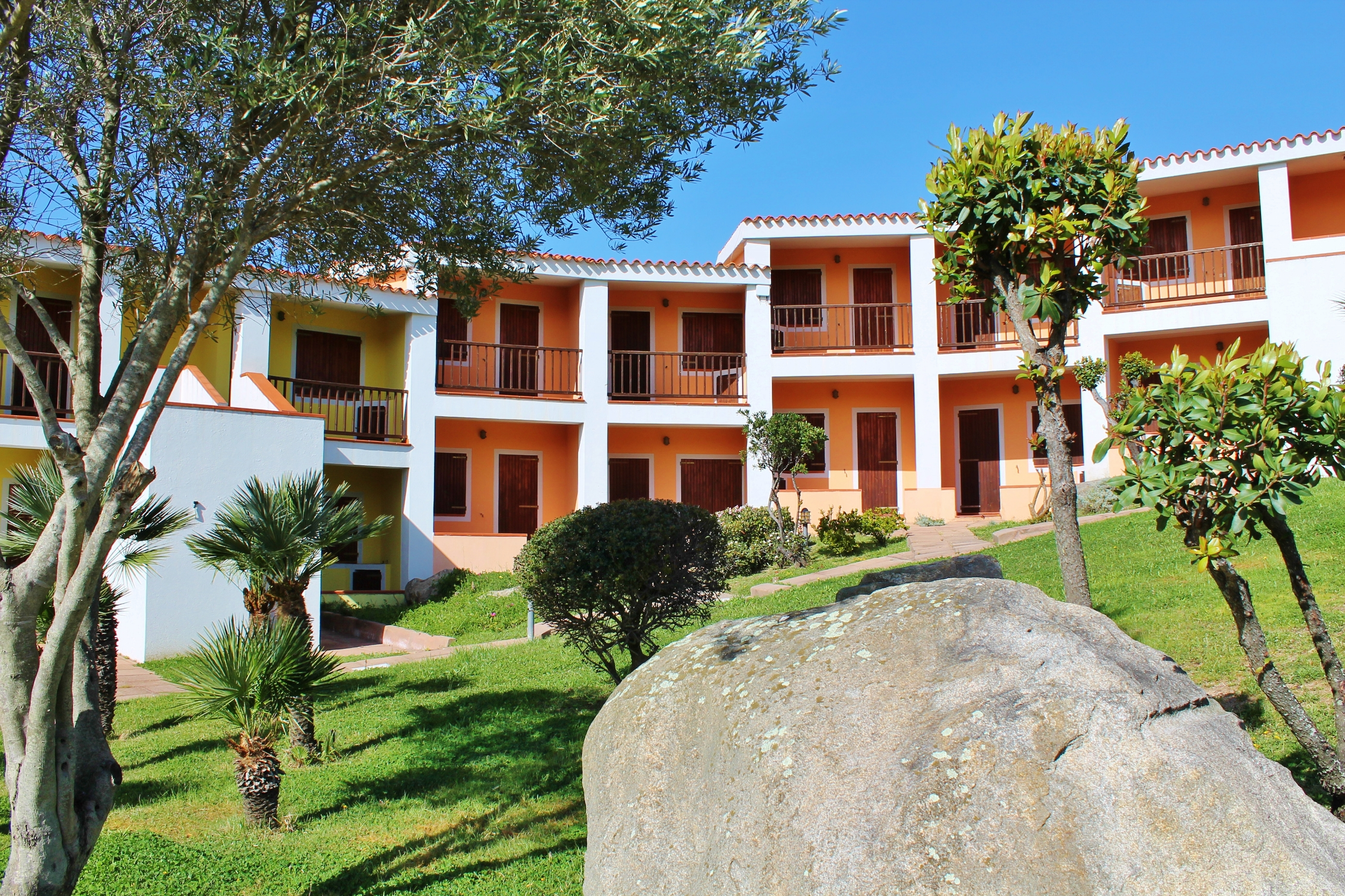 costa-serena-village-05