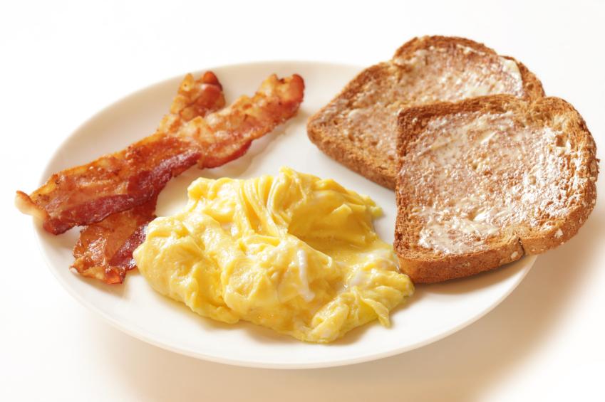 istock-bacon-eggs-toast
